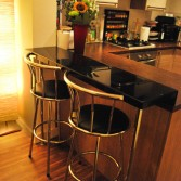 Breakfast bar top in 'Noire'