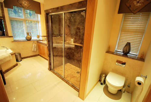 Inspiration gallery versital for Fully enclosed shower