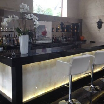 Bar panel in marble finish 'Autumn Onyx'