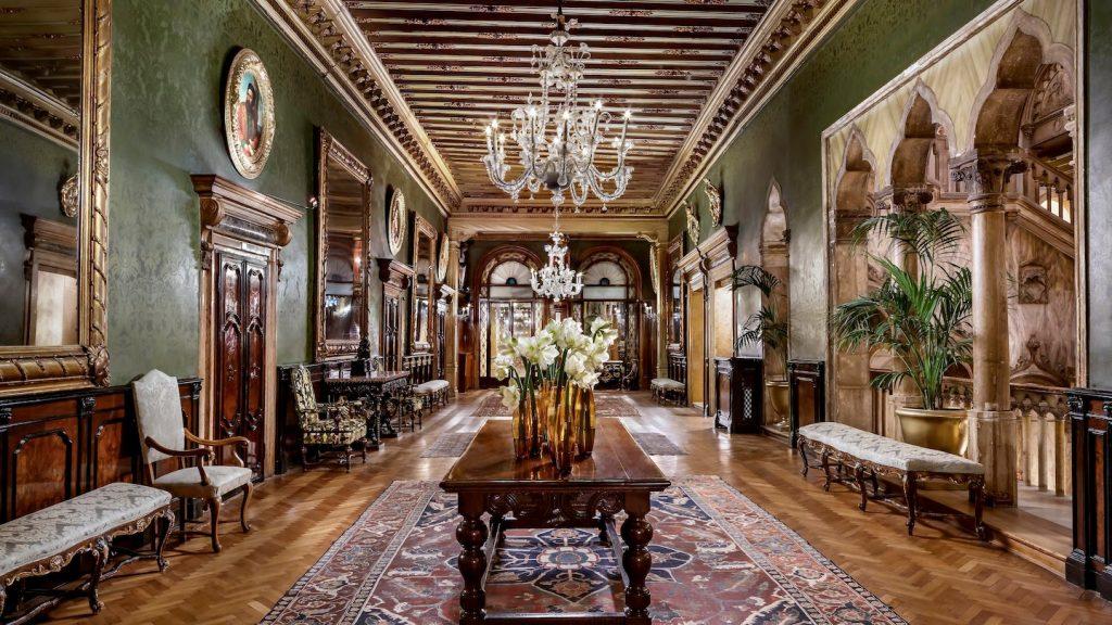 Danieli Hotel in Venice - Coridor
